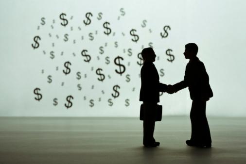 tomar decisiones: primero lo que da dinero